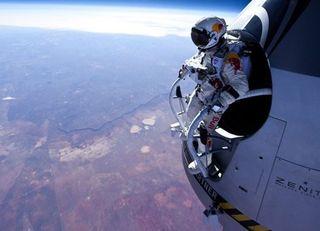 Felix-baumgartner-red-bull-stratos-01